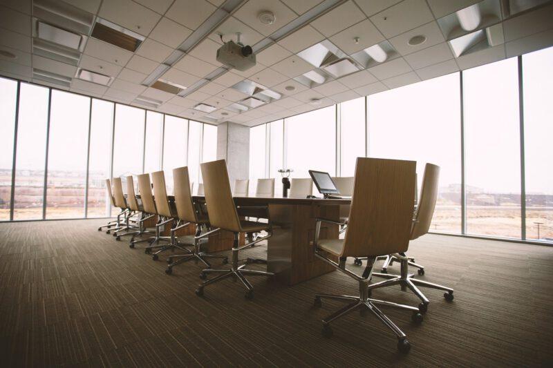 Jak zaopatrzyć swoje własne biuro domowe?