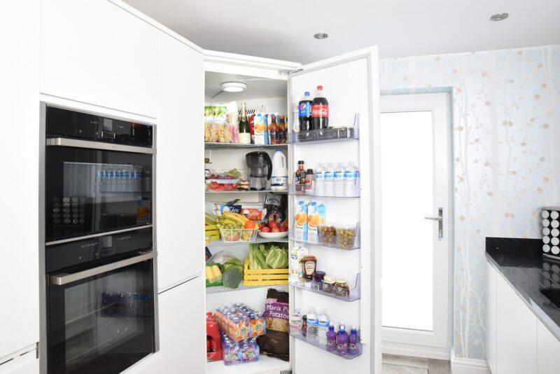 Jaką wybrac lodówkę do kuchni?